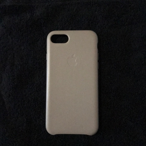 new style babc0 fa4ff Apple iPhone 8/7 leather case in Taupe